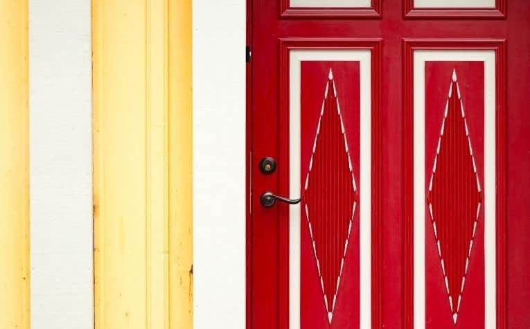 door swing outward Sweden