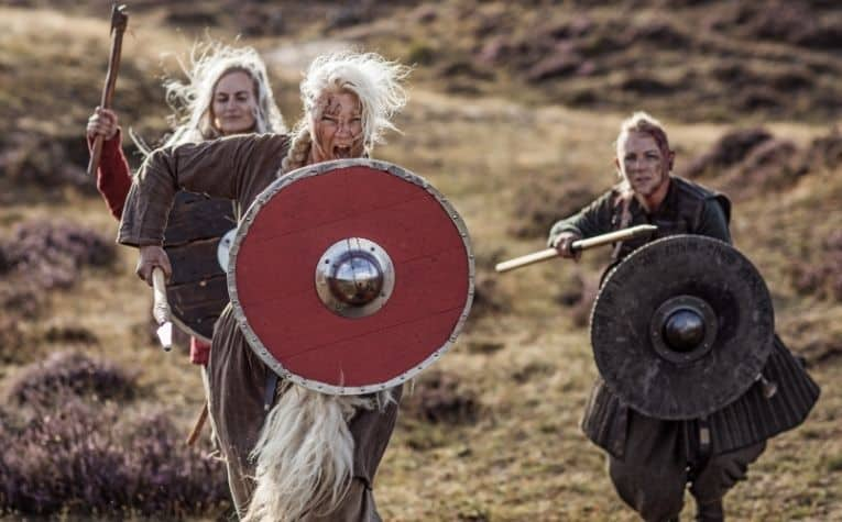 Viking women clothing