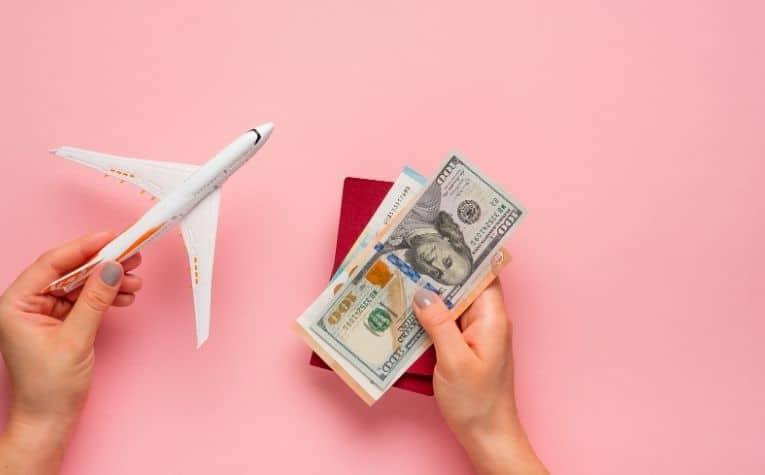 Iceland travel spending cash
